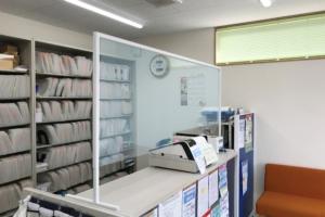 ファーマライン薬局 深津店 飛沫感染予防アクリル板
